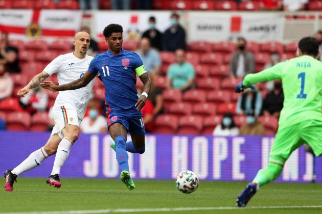 Rashford penalty sees second-string England past Romania