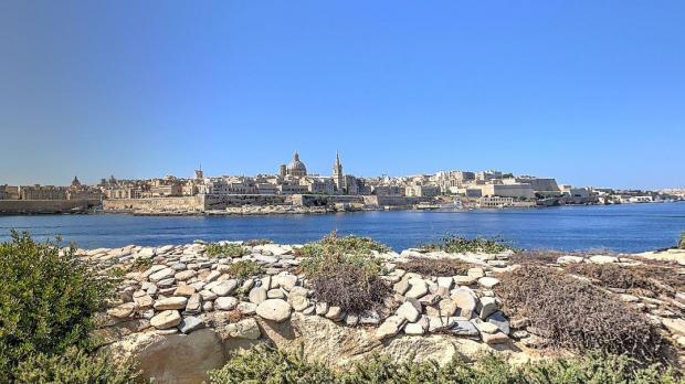 Would you walk over water to Valletta?