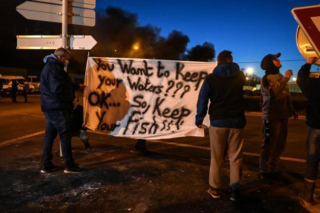 French fishermen prepare to block UK trucks in Brexit protest