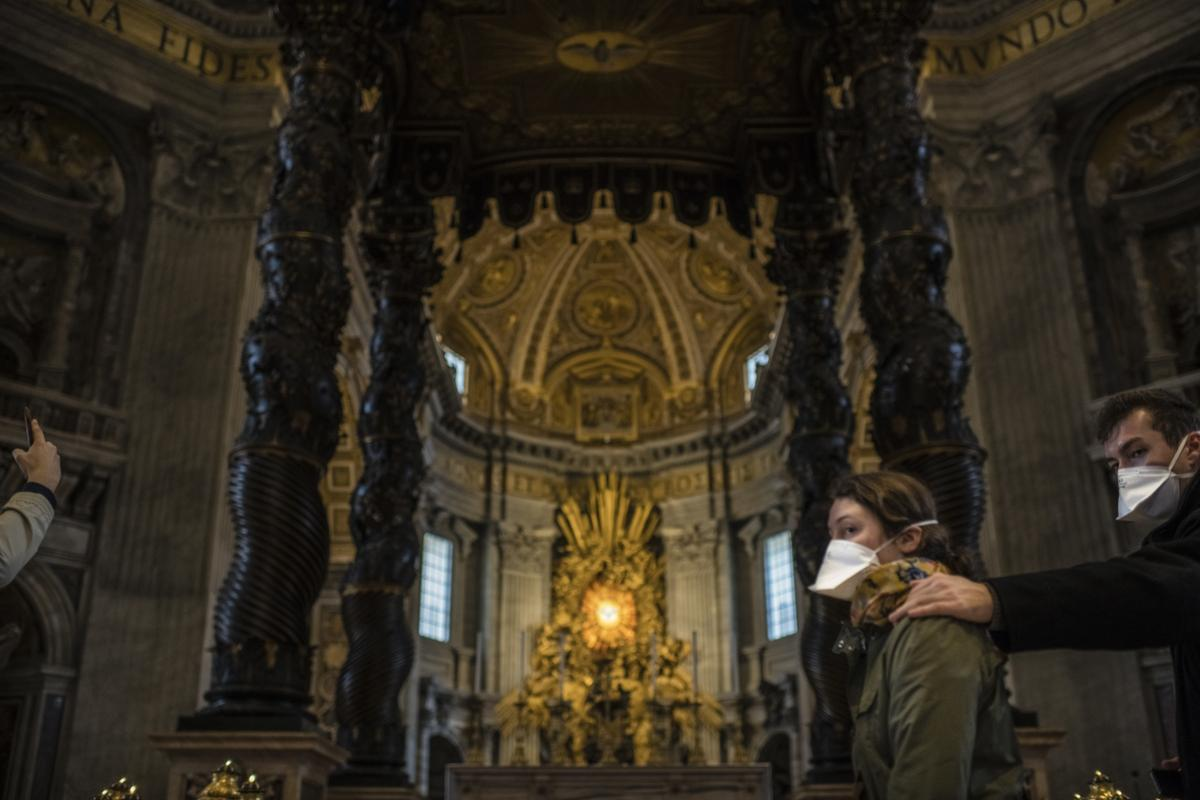 Tourists wear masks at St Peter's Basilica, Vatican in this picture taken on March 3. Photo: Shutterstock