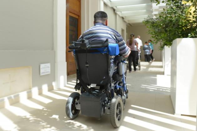 Gżira and Sliema waterfront stores drastically fail disability access test