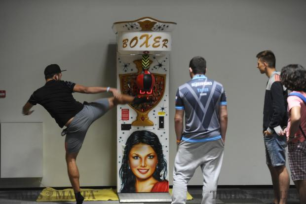 A man shows his prowess during a gaming event on September 21. Photo : Jonathan Borg