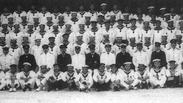 A group photo of the officers and crew of SMS Emden in Verdala Camp. Photo: Wolfgang Juncker, In Kriegsgefangenschaft auf Malta, Seeleute des Kreuzers, 'Emden', 1914-1919.