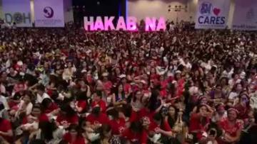 Thousands of Philippine mothers breastfeed in public to counter stigma