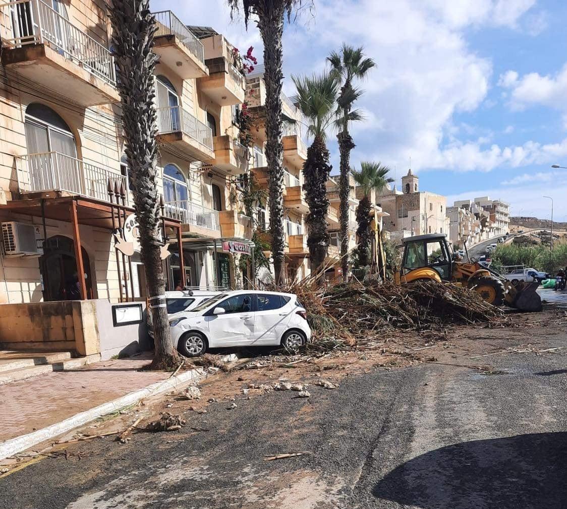 Photo: Kennith Portelli, Aġġornament tat-temp, Facebook