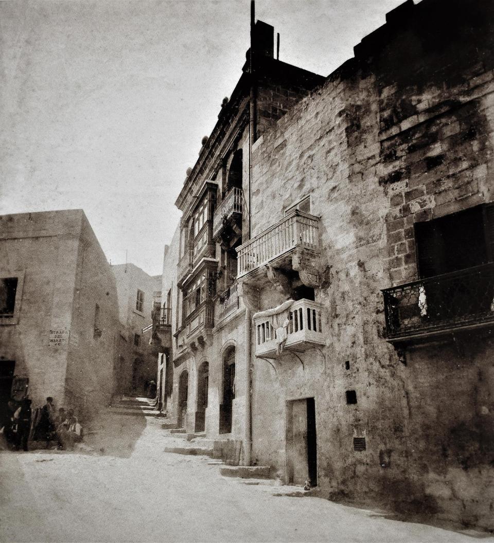 Strada del Miratore, Vittoriosa, 1880s. Photo: Horatio Agius