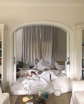 After the quake, the family slept under an arch for protection.