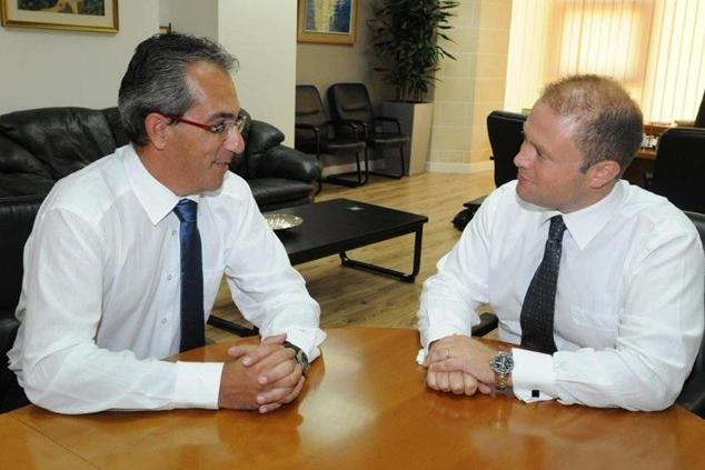 Sandro Craus and Prime Minister Joseph Muscat.