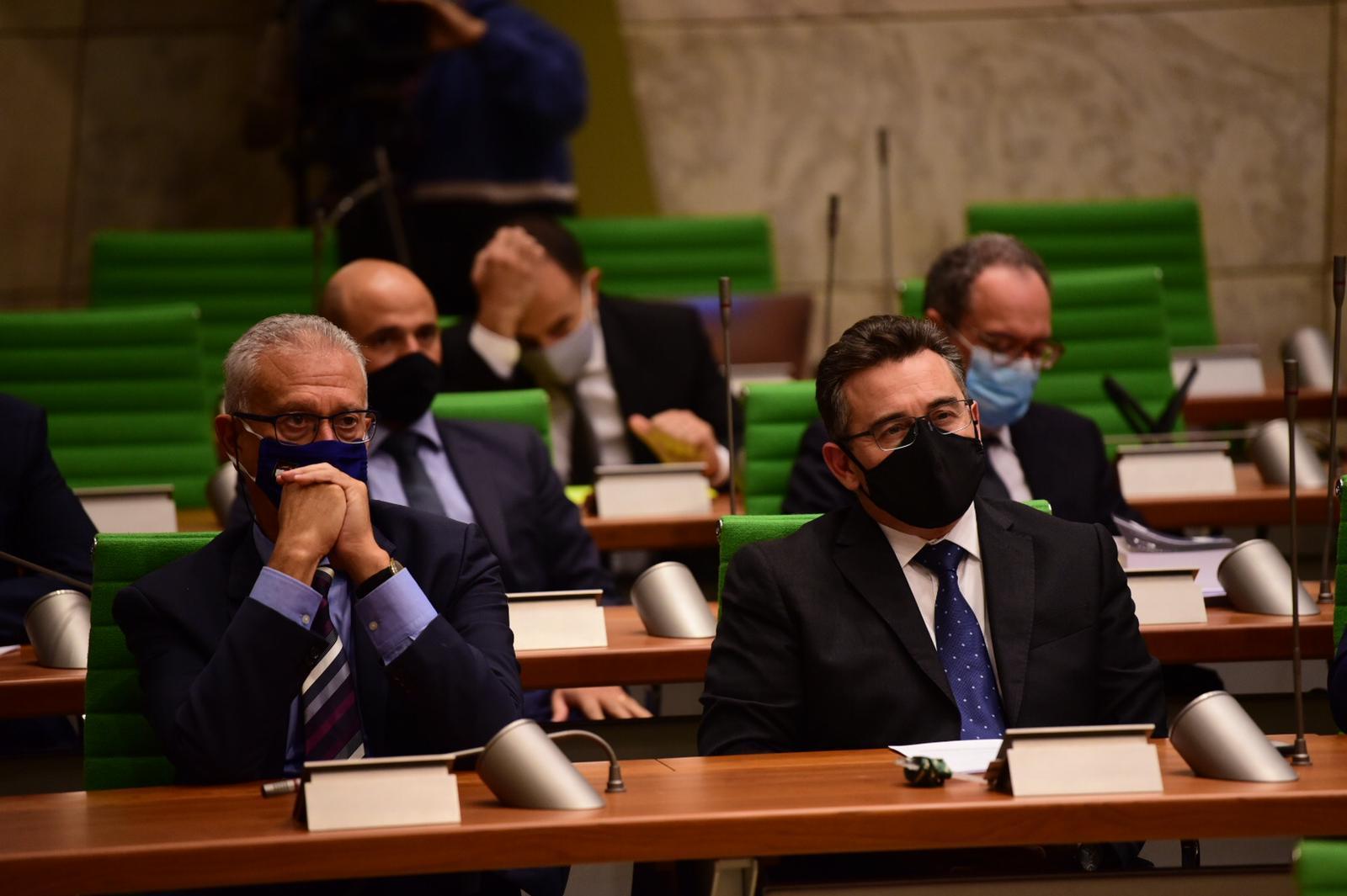 Opposition leader Bernard Grech (right) listens to Robert Abela deliver his speech. Photo: Mark Zammit Cordina