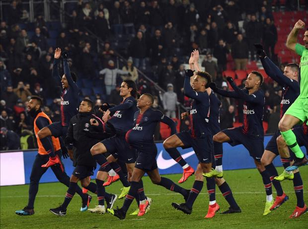 PSG celebrate their great win over Guingamp.