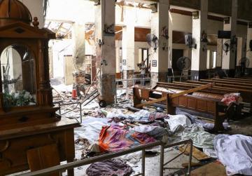 Easter blasts at Sri Lanka hotels and churches kill at least 207