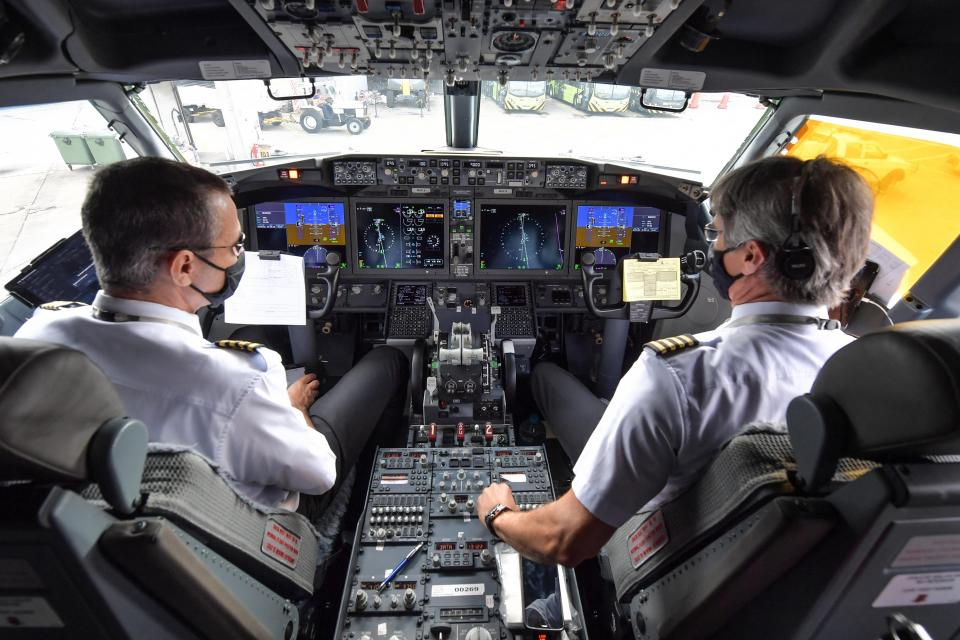 The first offers will go to pilots who had conditional job offers or were in line for jobs last year. Photo: Nelson Almeida / AFP