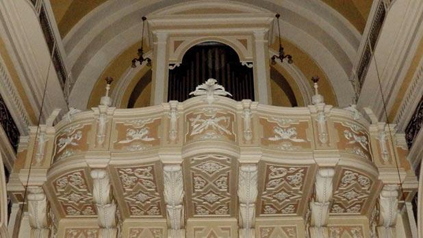The organ loft above the church's main door. The organ was built in 1906 by Pacifico Inzoli and Sons, of Crema.