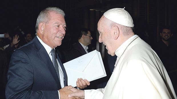 Vassallo Group chairman Nazzareno Vassallo with Pope Francis.