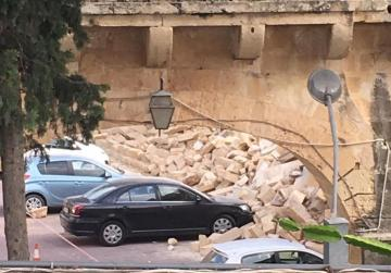 Wall collapses in San Anton Palace