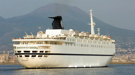 The Italian cruise liner MSC Melody had to use guns and a fire hose to beat off an attack by pirates off the east African coast, yesterday.