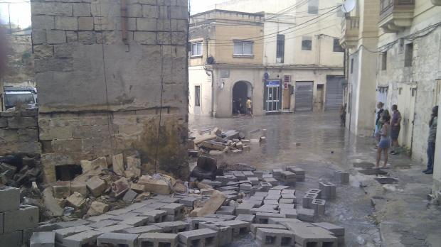 "Parts of an old house in Msida collapsed this afternoon. Picture Jonathan Micallef - <a href=""mailto:mynews@timesofmalta.com"" target=""_blank"">mynews@timesofmalta.com</a>"