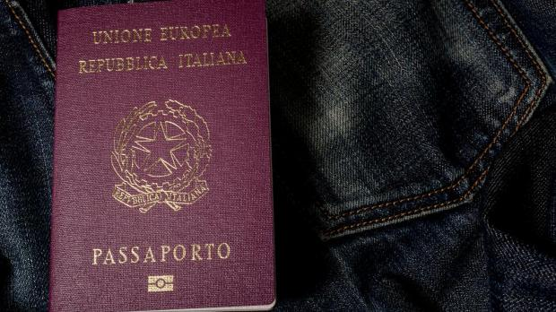 how to get an italian passport