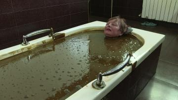 Crude oil touted as health cure in Azerbaijan