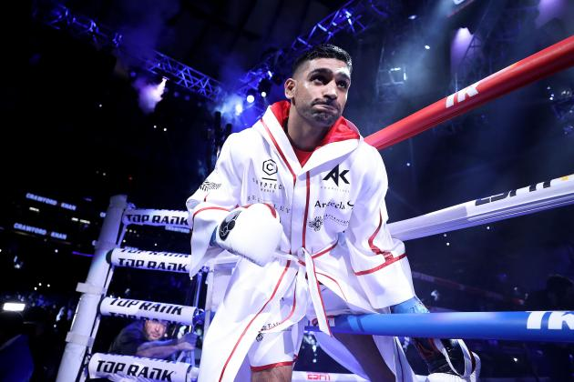 Boxer Amir Khan offers wedding venue to Britain's NHS