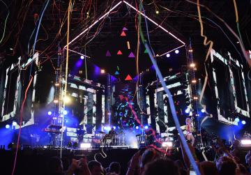 Crowds rock the Granaries at Isle of MTV
