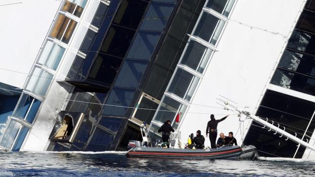 find no more signs of life, China starts righting capsized cruise ship ...