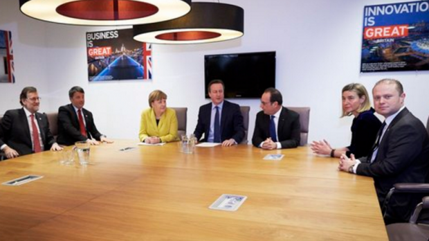 From left, Spanish Prime Minister Rajoy, Italian Prime Minister Renzi, Gernman Chancellor Merkel, British Prime Minister Cameron, French President Hollande, EU Foreign Affairs chief Mogherini and Prime Minister Muscat.