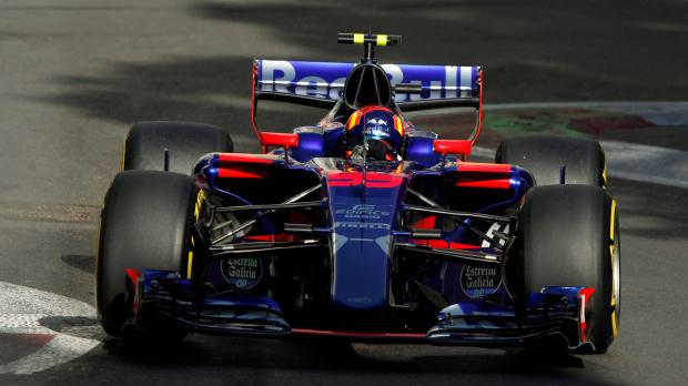 Fourth Year at Toro Rosso 'unlikely' admits Carlos Sainz Jr
