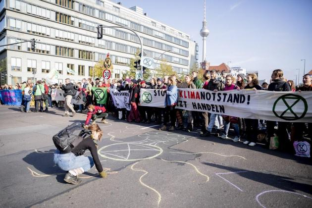 German government presses on with criticised climate law