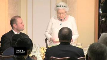 Queen attends traditional CHOGM dinner in Malta