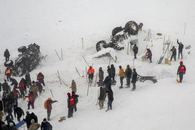 Turkey avalanches leave over 40 dead