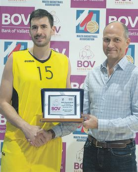 Hibs' Alvaro Lizaur receives the BOV-player-of-the-month trophy from Peter Perotti.