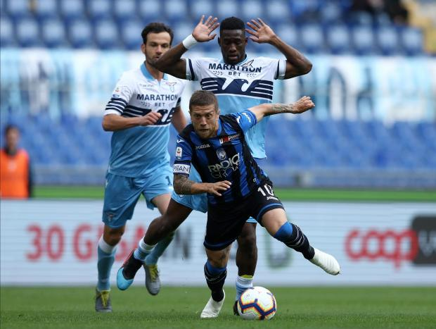 Bastos of Lazio and Alejandro Gomez of Atalanta during the Serie A match Lazio vs Atalanta.