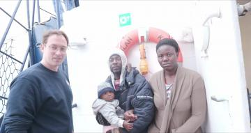 Watch: Migrant mothers, kids refuse to leave German rescue ship    Video: Sea-Eye