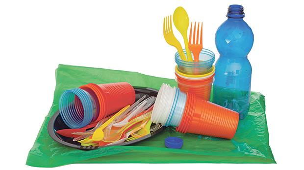 The new EU directive bans several single-use plastic items including plates, cutlery and expanded polystyrene food containers and beverage cups. Member States have two years to transpose it into national laws, which should come into force at the beginning of 2021 at the latest.