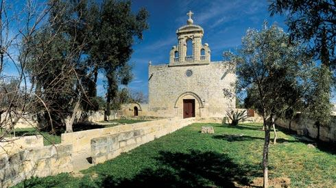The medieval church of the Assumption of Our Lady of Bir Miftuħ (Gudja), with parochial status in 1436, served the surrounding thriving hamlets and farmsteads. Photos courtesy of Miranda Publishers