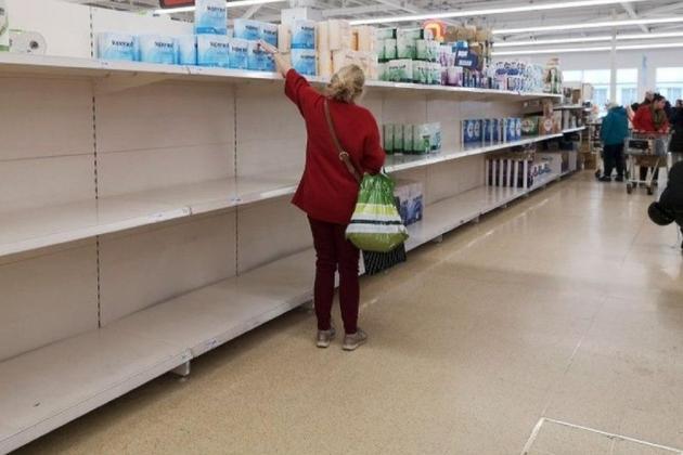 UK grocers warn of shortages amid virus 'pingdemic'