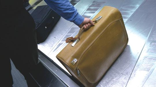 United Airlines To Charge Fee To Check Single Bag