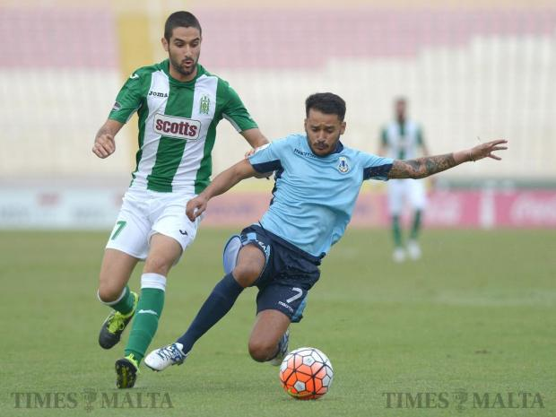 Sliema Wanderers' John Mintoff (right) and Floriana's Jurgen Pisani vie for the ball during their Premier League match at the National Stadium in Ta' Qali on October 1. Photo: Matthew Mirabelli