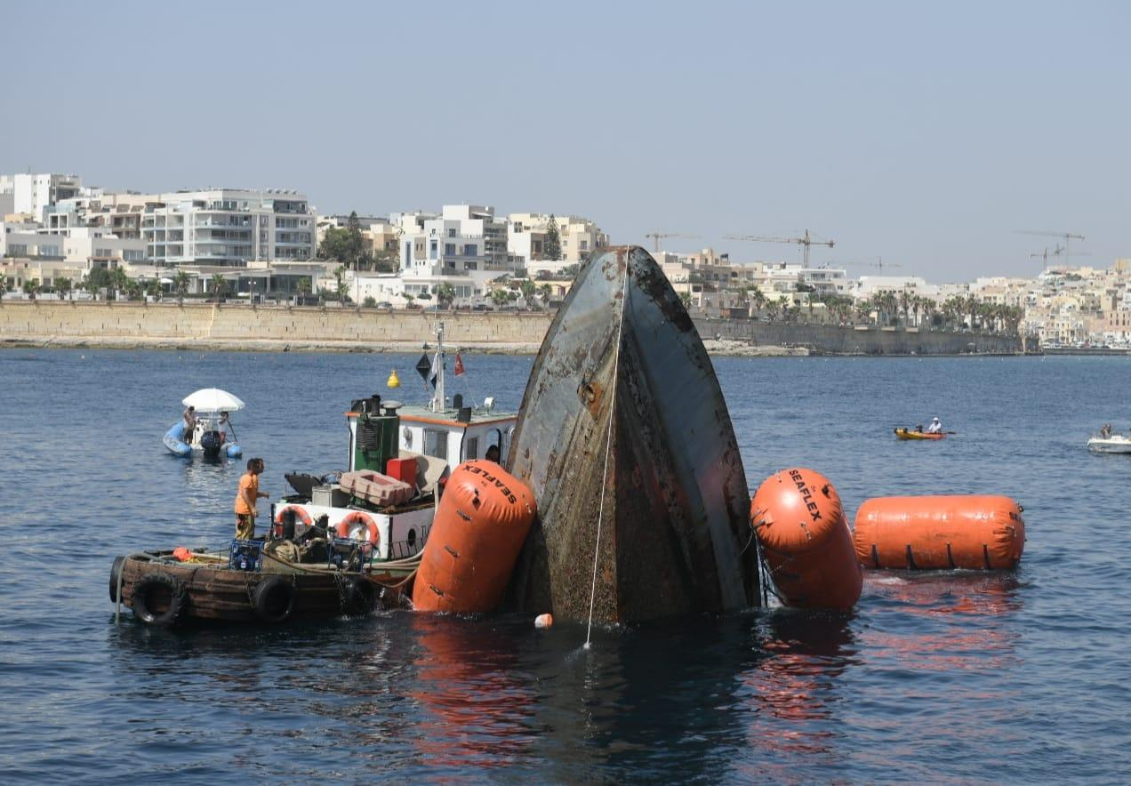 The sinking of the former AFM patrol boat on Saturday morning source: Matthew Mirabelli