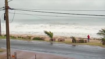 First death as Cyclone Kenneth hits Mozambique