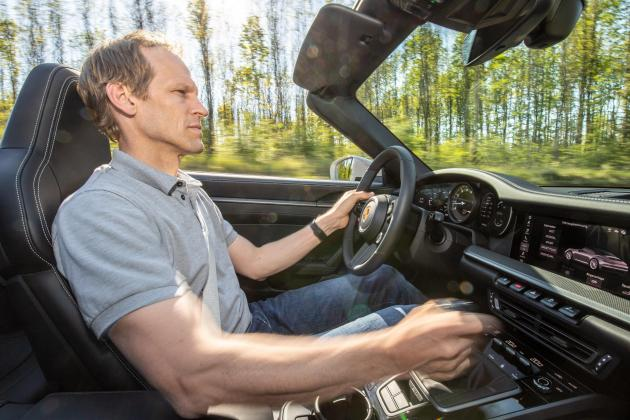 'Sporty drivers' can now get manual gearbox in Porsche 911 Carrera S