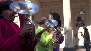 Watch: De La Salle kicks off carnival with annual parade