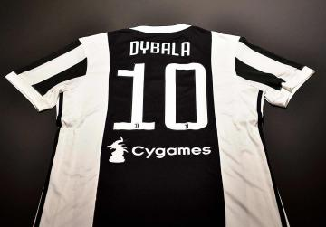 Paolo Dybala's new no.10 shirt at Juventus.