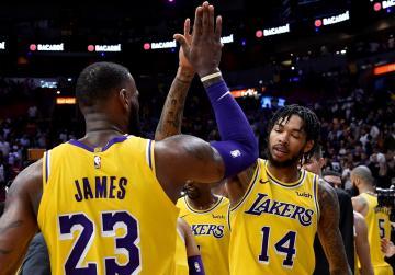 Watch: NBA roundup: LeBron, Lakers hammer Heat