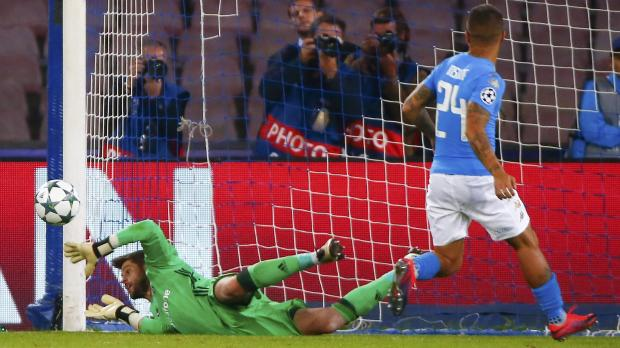 Napoli's Lorenzo Insigne fails to score a penalty as Besiktas' goalkeeper Fabricio saves. Photo: Tony Gentile, Reuters