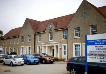 Unjustified painkiller use shortened 456 lives in UK hospital
