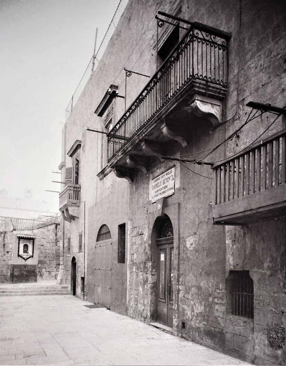 St Lawrence Street, Vittoriosa, Fabbrica di Mobiglia Carmelo Seychel Carpentiere, 1900s. Photo: Richard Ellis
