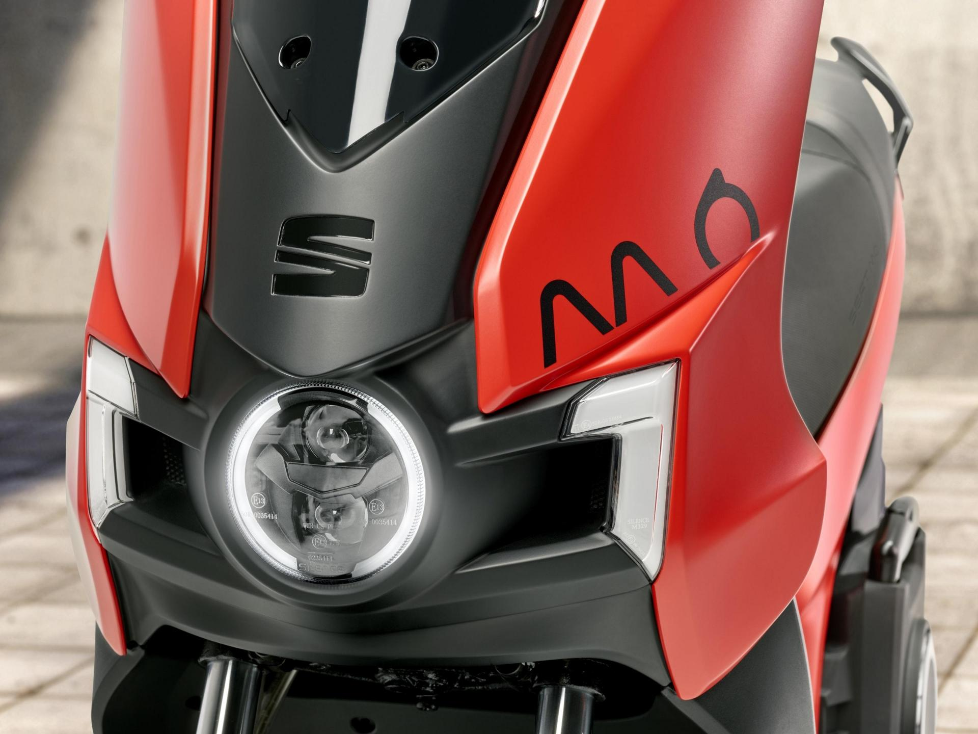 The eScooter125 is Seat's first electric motorcycle.