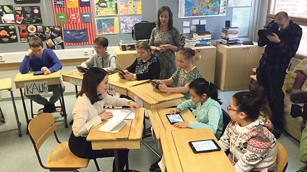Sanni Grahn-Laasonen visits Finnish schools regularly. Photo: Heidi Mäenpää / Finnish Ministry of Education and Culture.